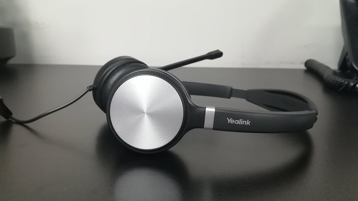 Yealink UH 36 Headset on Desk